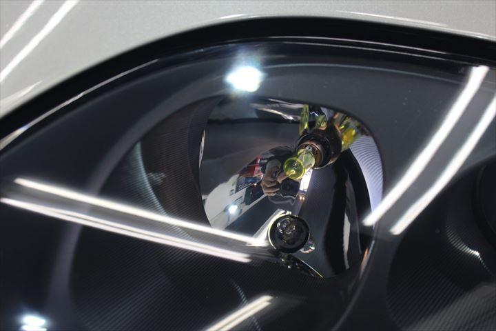 ヘッドライトプロテクションの効果と耐久性