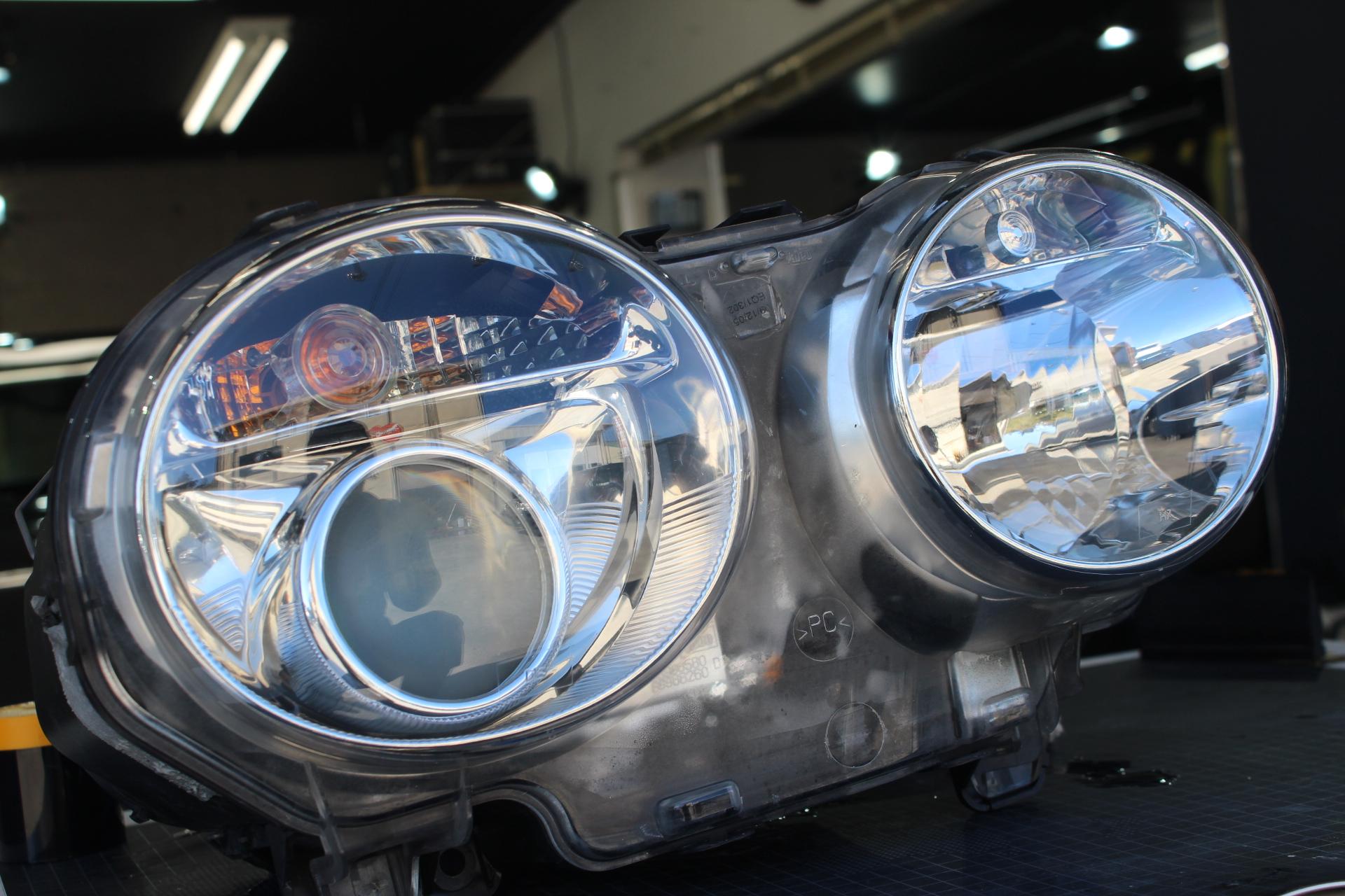 ヘッドライトの透明ラッピング専門店