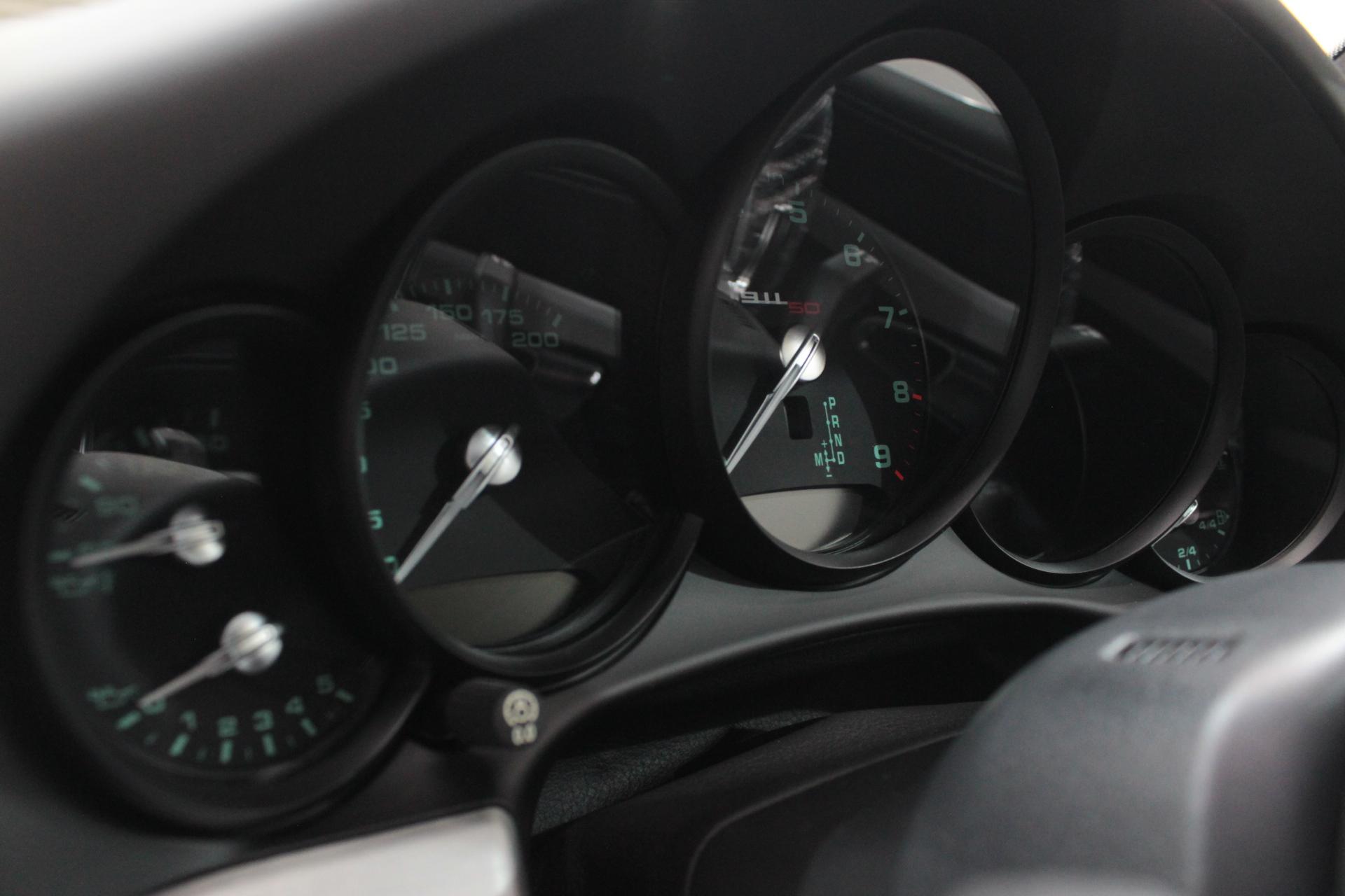 911アニバーサリーエディションのメーターパネル
