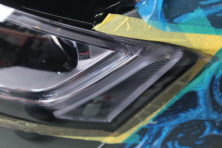 ヘッドライトプロテクションフィルムの施工方法